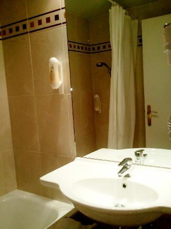 โฮเต็ล เอลิสซี โอเปร่า: salle de bains