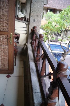 Nagasari Hotel Kuta : Balcony