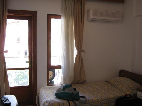 Ekici Hotel double room with balcony