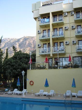Ekici Hotel exterior