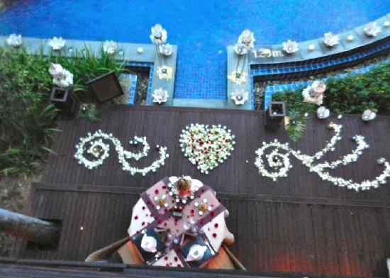 The Dhara Dhevi Chiang Mai: a romantic dinner at our villa