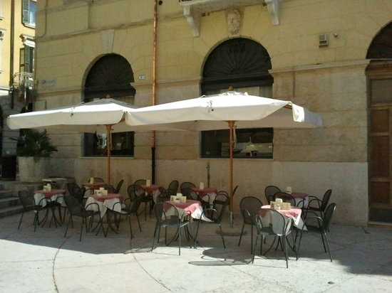 Tosca Cafe: Plateatico Tosca Cafè Verona