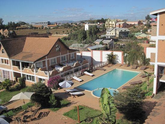 Island Continent Hotel: piscine
