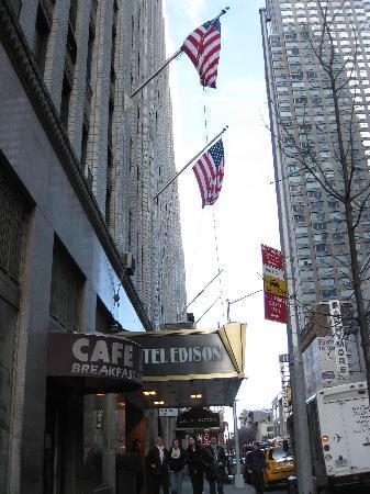 Hotel Edison Times Square : hotel facade