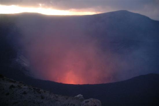 Mount Yasur: ...heftig und spektakulär....
