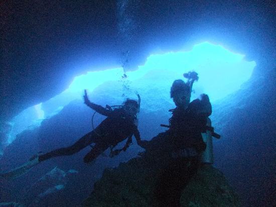 Sea Force Saipan - Day Tours: 初FUNダイブ グロットへ