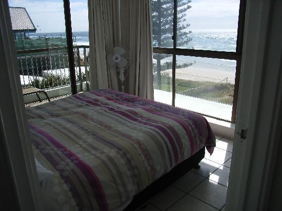 Hibiscus on the Beach: Main Bedroom