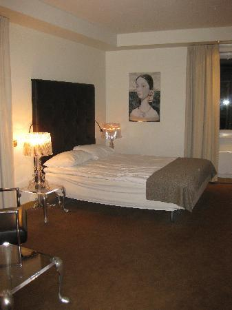 Radisson Blu Hotel, Tromso: This was the first room we got.