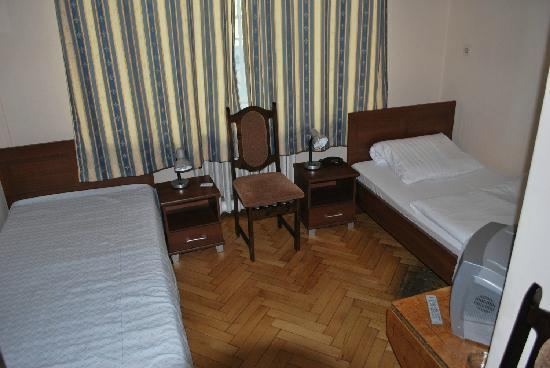 Hotel Central Inn: single room with shower and WC
