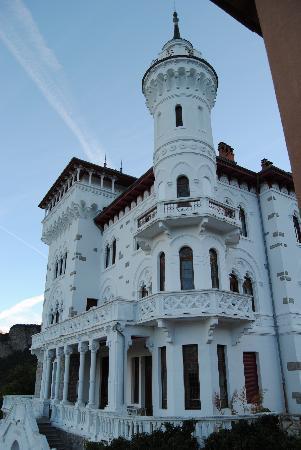 Vue sur château des Magnans