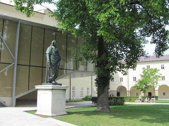 Universitatsplatz