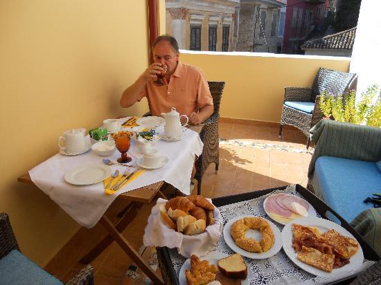 Aetoma Hotel: Frühstück
