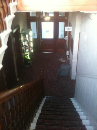 Edinburgh House Hotel: Very nice place if you're ok with stairs