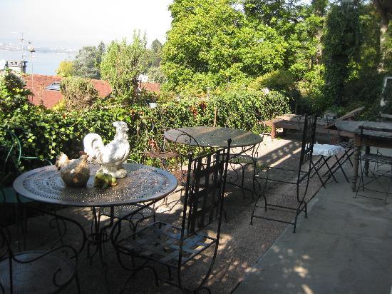 Les Terrasses du Lac: la terrasse du petit déjeuner