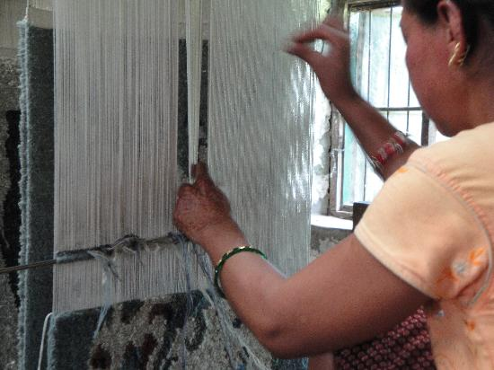 Tashiling Handicraft Centre : Weaving.