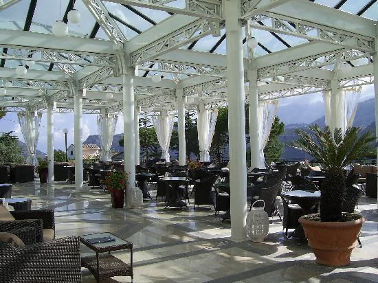 Grand Hotel Nastro Azzurro & Occhio Marino Resort: The main terrace