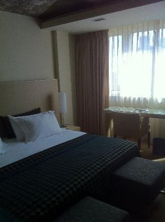 Dan Tel Aviv Hotel: Executive Sea View Suite Bedroom