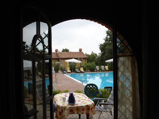 Relais I Piastroni : Terrasse und Pool