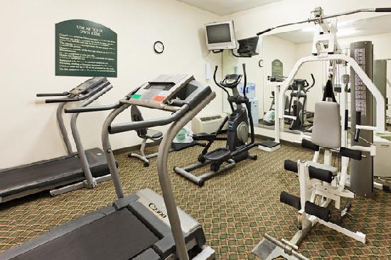 Holiday Inn Express Louisville Northeast : Exercise Room