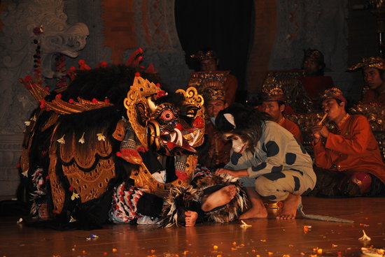 Legong and Barong Waksirsa Dance