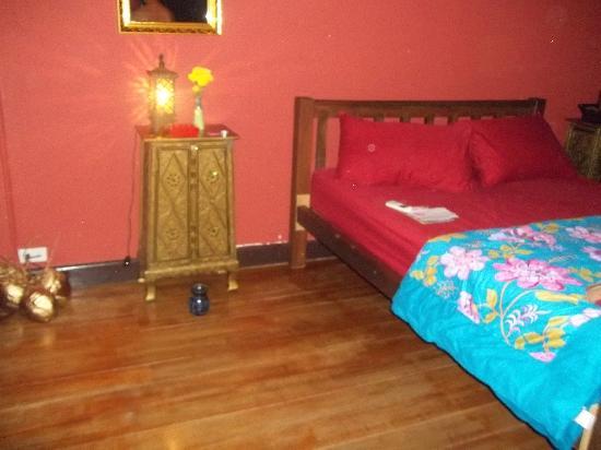 Ang Yee's Guest House: Chambre avec Clim au 1er étage.