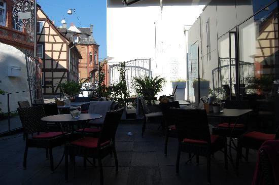 ELTVINUM: Terrasse