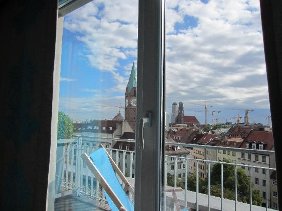 Motel One Muenchen-Sendl. Tor: View through window