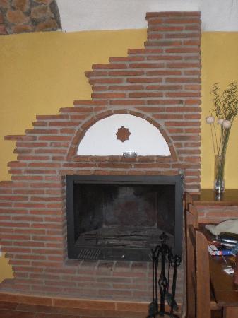 Cuevas Hammam Abuelo Jose: Fireplace