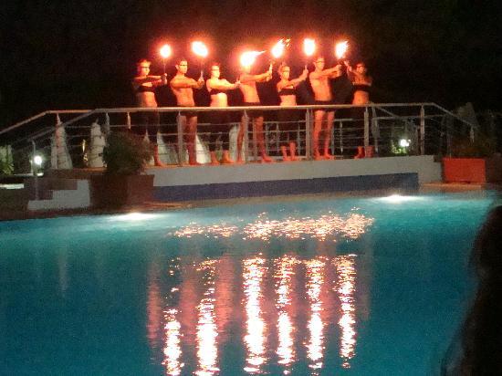Caravia Beach Hotel: the fire show