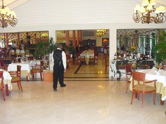 Grand Bahia Principe El Portillo: Buffet restaurant