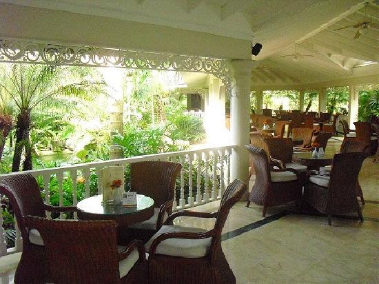 Grand Bahia Principe El Portillo: Lobby/bar