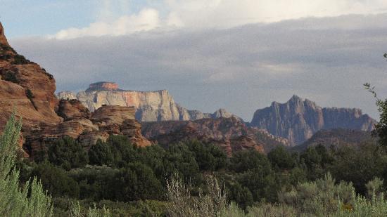Desert Pearl Inn: View from Kolob Terrace Road