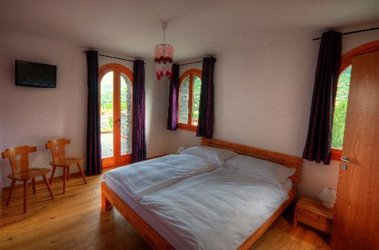 Colline de Daval: chambre Cornalin