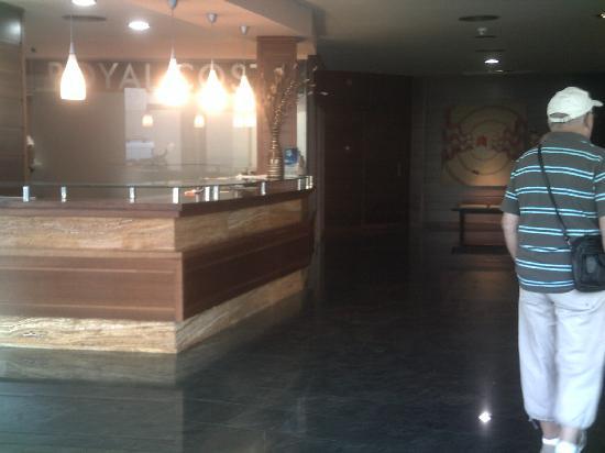 โรงแรมรอยัล คอสต้า: reception area