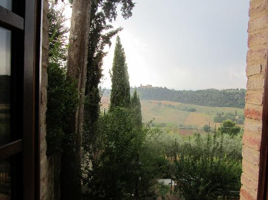 I Melograni del Chianti: View from bedroom - Granaiolo