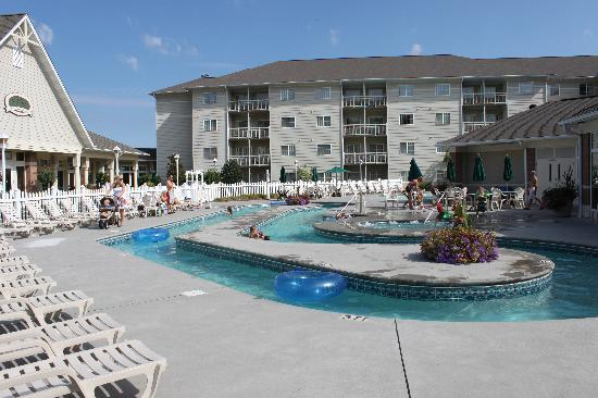 MainStay Suites: Lazy river