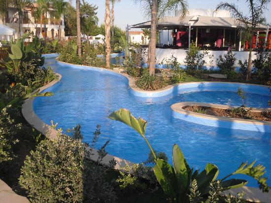 Olympic Lagoon Resort: lazy river