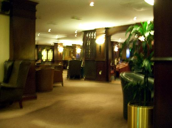 Maldron Hotel Newlands Cross: Bar/lounge