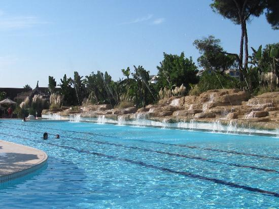 Ela Quality Resort Belek: Pool Mit Wasserspiel