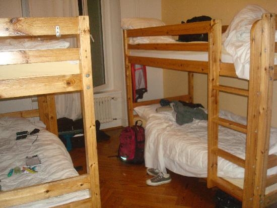 Lausanne Guesthouse & Backpacker : 4 bed mixed dorm