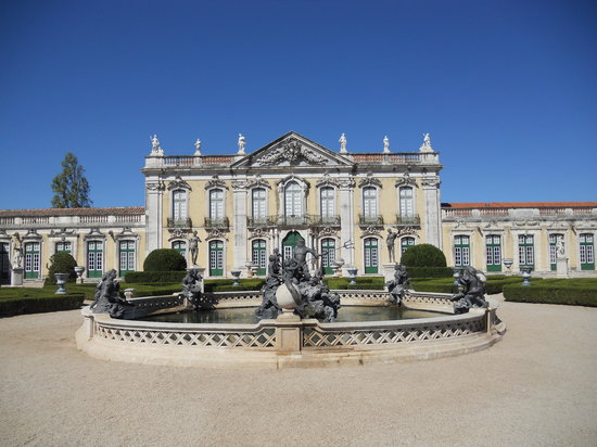Queluz, Portugal: On the gardens_5