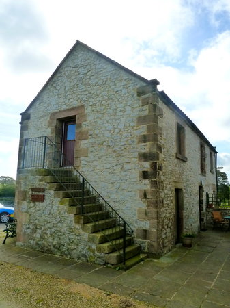Cotterill Farm Holiday Cottages : Milk Parlour (Downstairs)