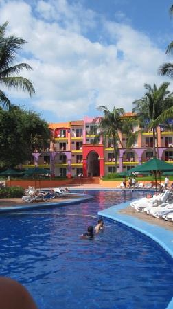 Royal Decameron Complex: adults pool- perfection!