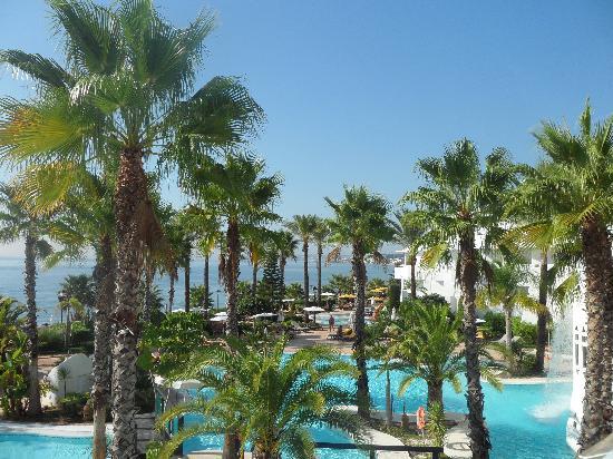 H10 Estepona Palace: Pool area from sun terrace