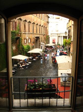 Locanda Navona: View from Bramante Room