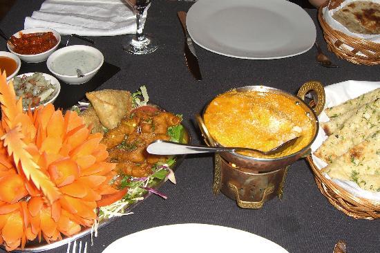 Burgau, Portogallo: Ein Teil der indischen Köstlichkeiten