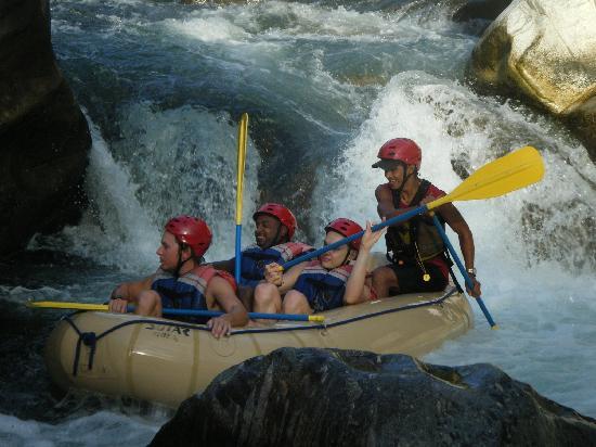 Hotel El Estadio: Rafting in La Ceiba