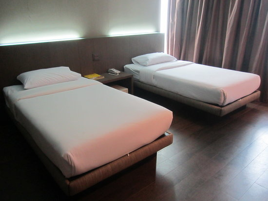 Bangkok City Hotel: Bed