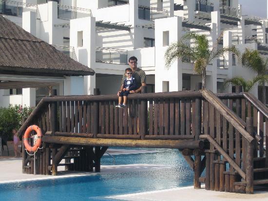 Hotel Fuerte Estepona: PISCINA