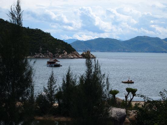 L'Alyana Ninh Van Bay: View from Hill top villa